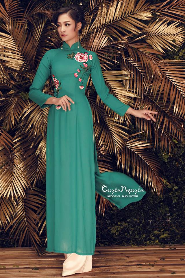 Áo dài thiết kế màu xanh