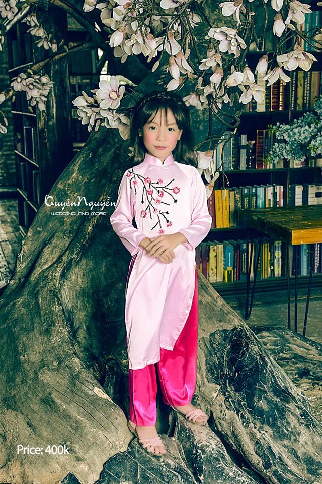 Áo dài bé gái mặc ngày Tết