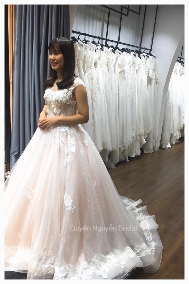 Váy cưới độc bản cô dâu Việt