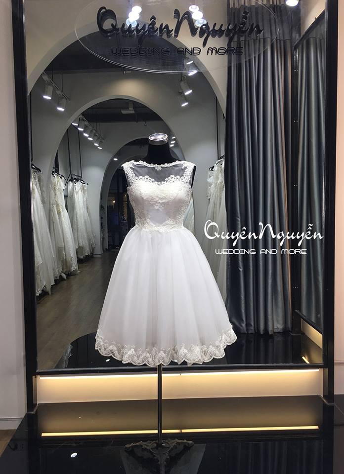 Một mẫu váy cưới ngắn