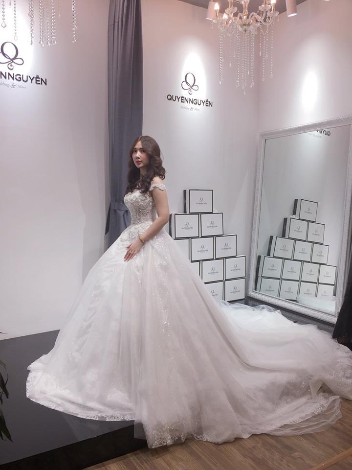 Hãy lấy váy cưới sớm
