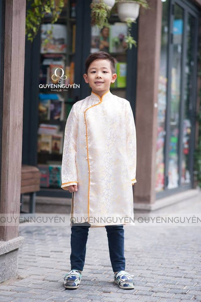 Áo dài cách tân bé trai trắng