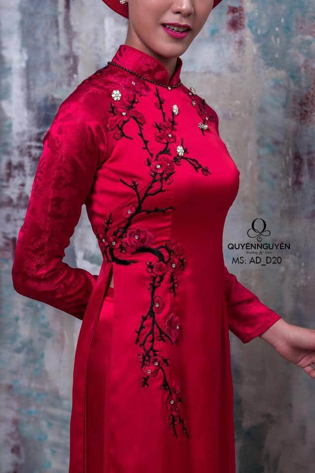 Áo dài cưới nhung đỏ kết hạt cườm