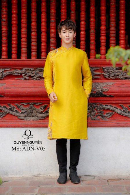 Áo dài nam màu vàng