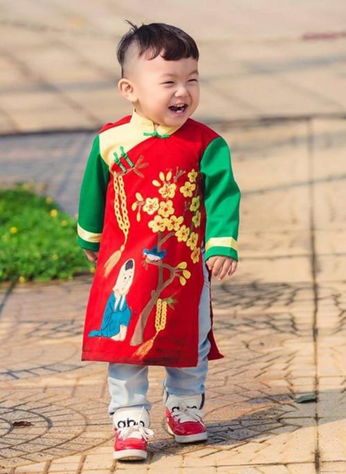 6 mẫu áo dài trẻ em 1 tuổi xinh xắn và đáng yêu