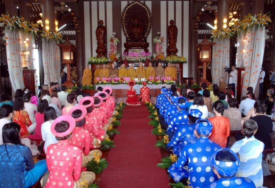 Tổ chức lễ cưới tại chùa là xu hướng