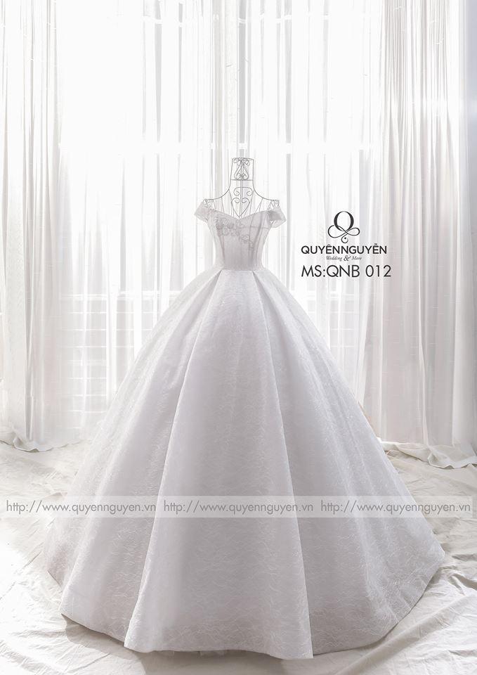 Váy cưới xoè bồng QNB 012