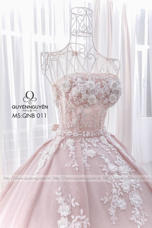 Váy cưới dáng bồng QNB 011