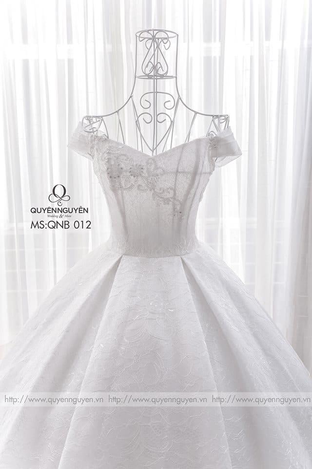 Váy cưới dáng bồng QNB 012
