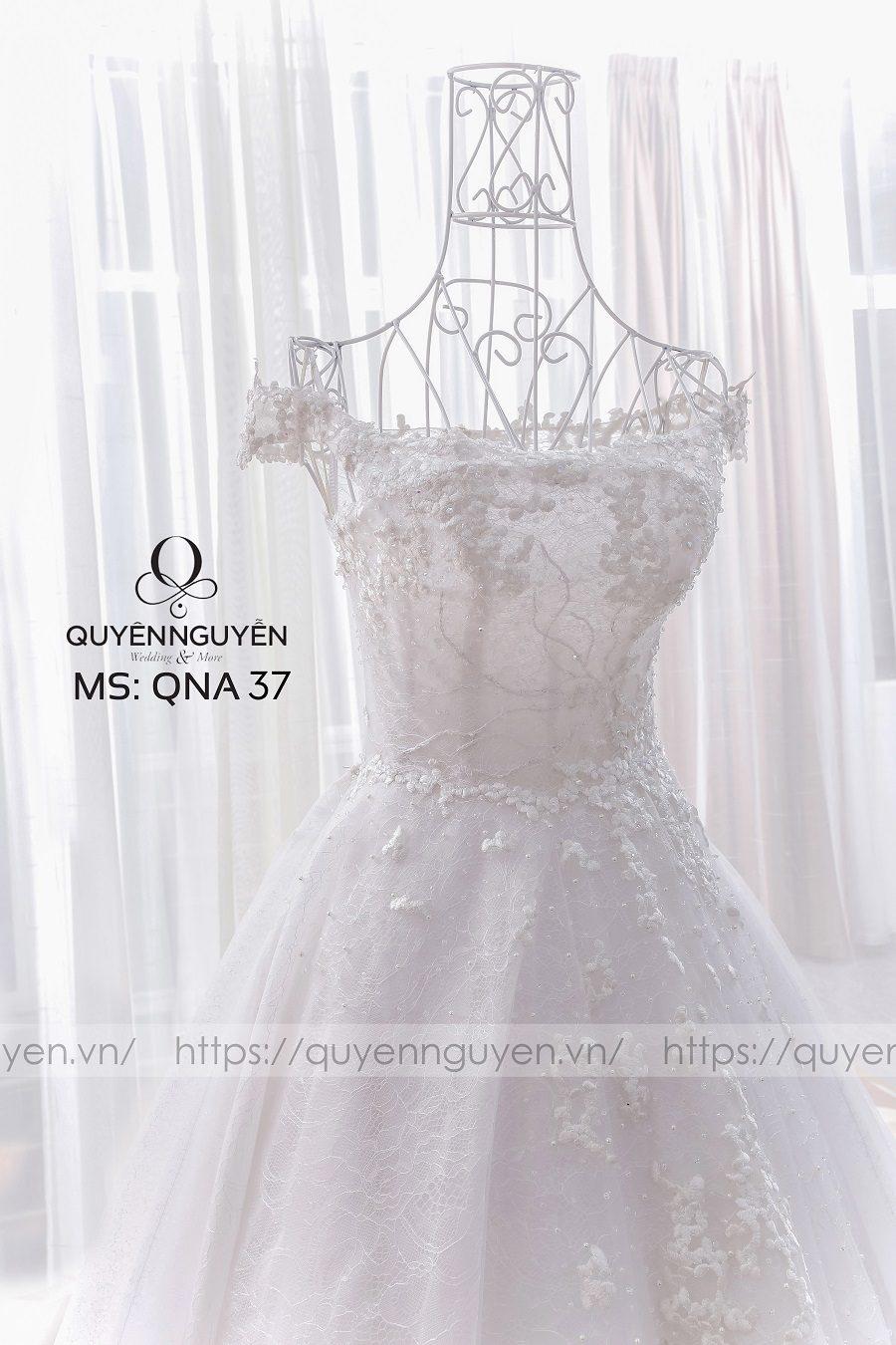 Váy cưới dáng A QNA 37