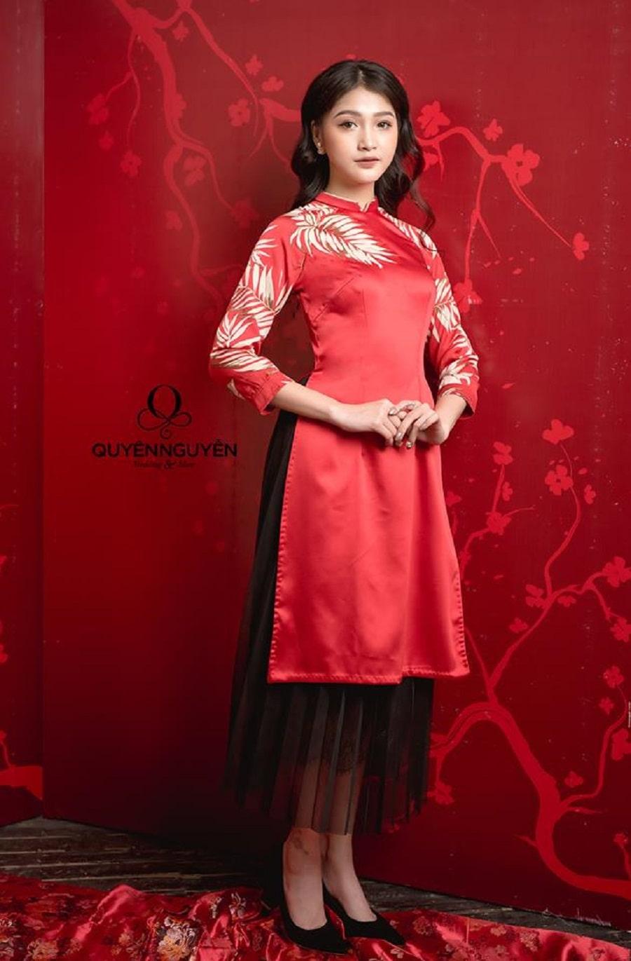 Áo dài cách tân bê tráp nữ màu đỏ