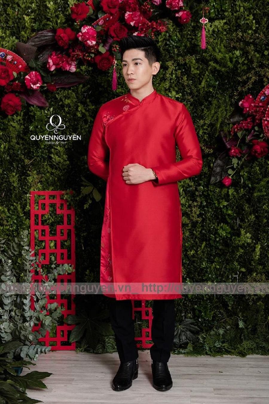 Áo dài cách tân nam màu đỏ organza