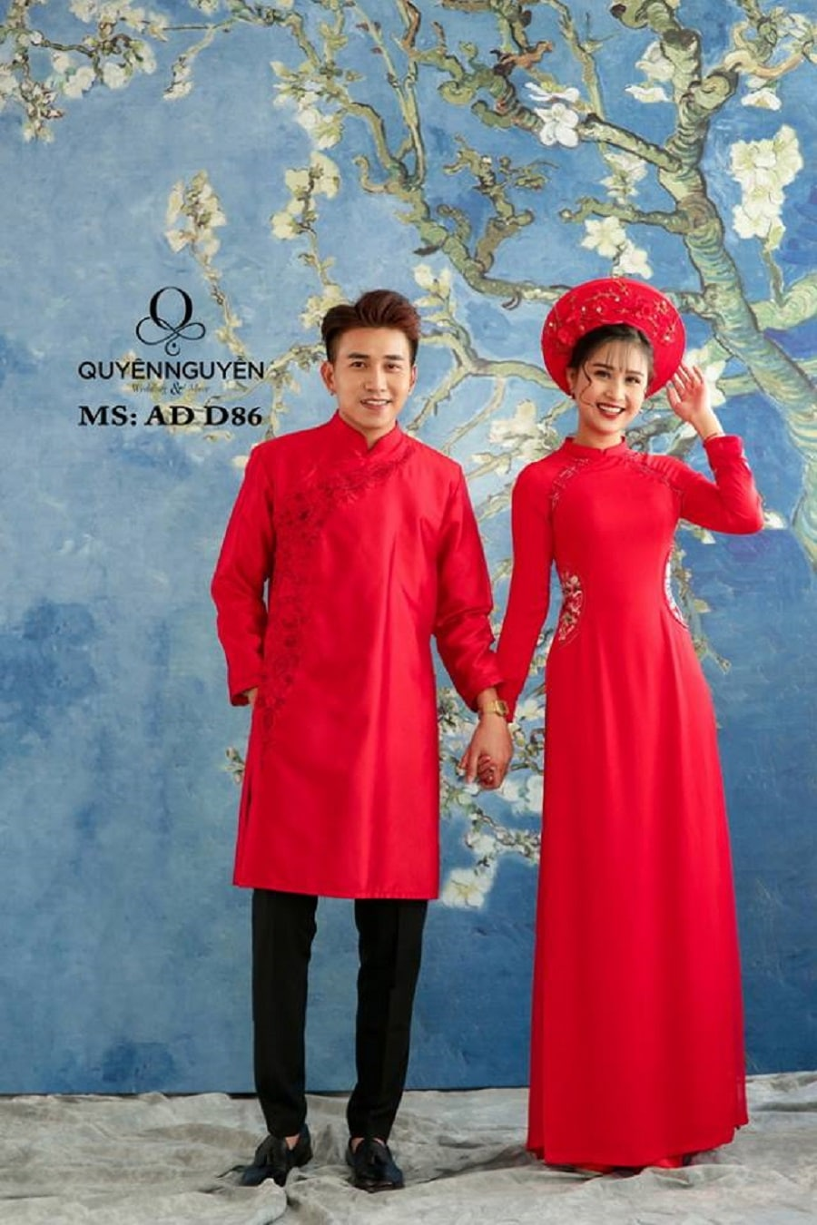 Áo dài cặp đôi màu đỏ họa tiết eo