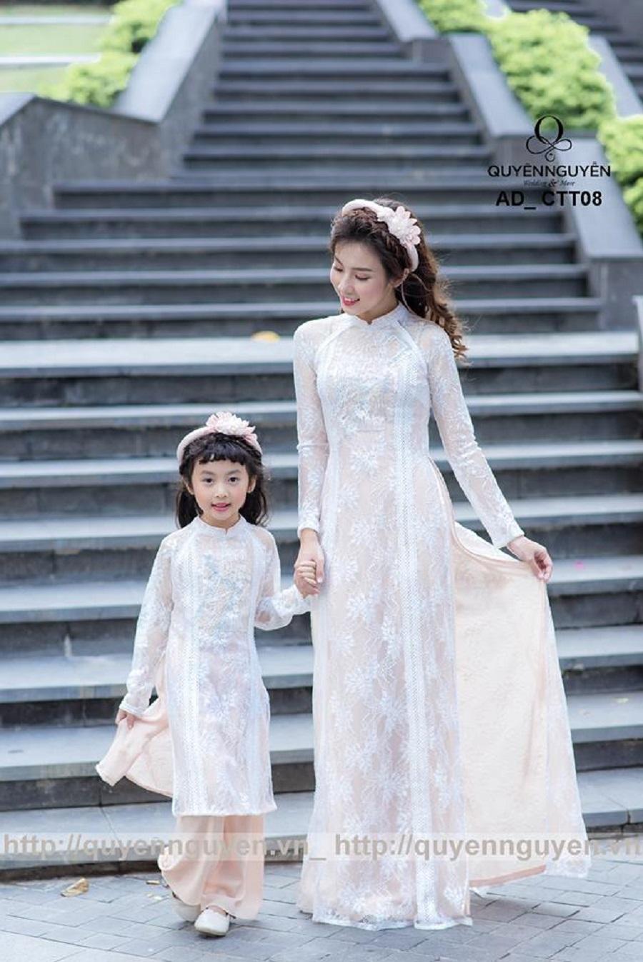 Áo dài cặp mẹ và bé màu be