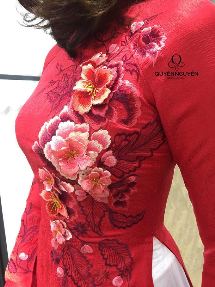 Áo dài thêu tay hoa hồng