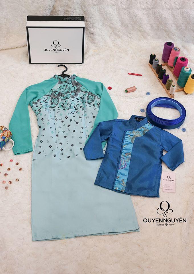 Áo dài cách tân cho mẹ và bé màu xanh bạc kết hợp với xanh dương