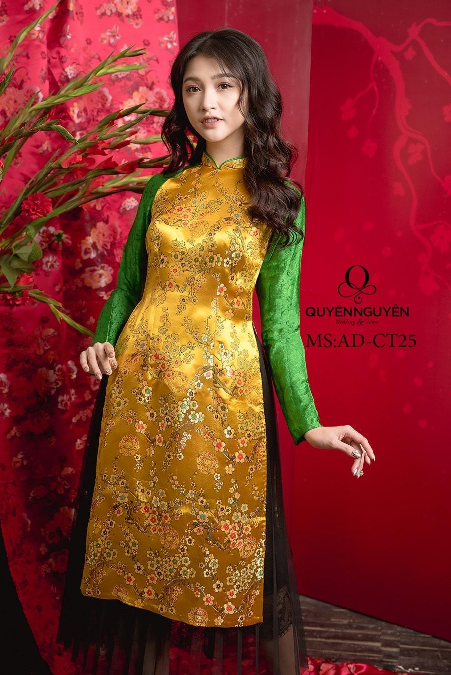 Áo dài cách tân gấm hoa đào vàng