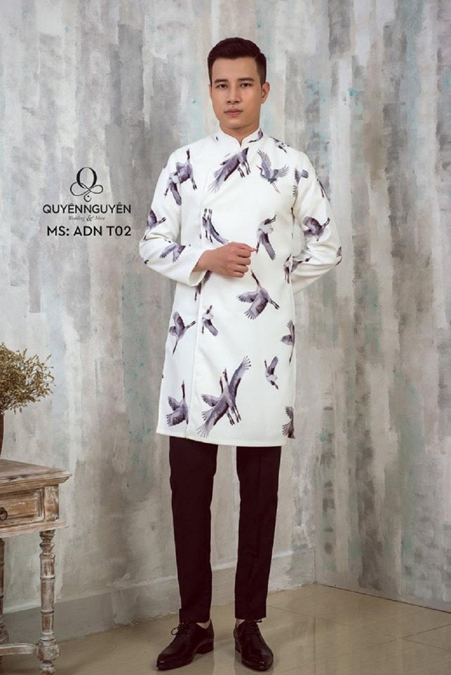 Áo dài cách tân màu trắng họa tiết hạc