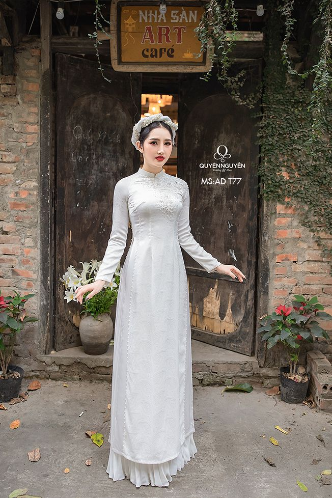 Áo dài trắng AD T77