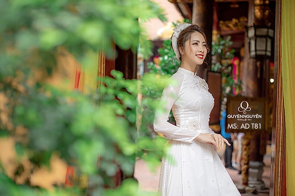 Áo dài trắng AD T81