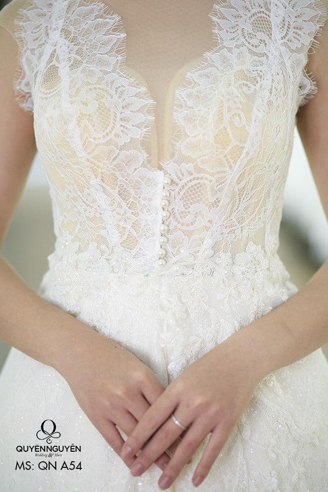 Váy cưới dáng A QNA 54