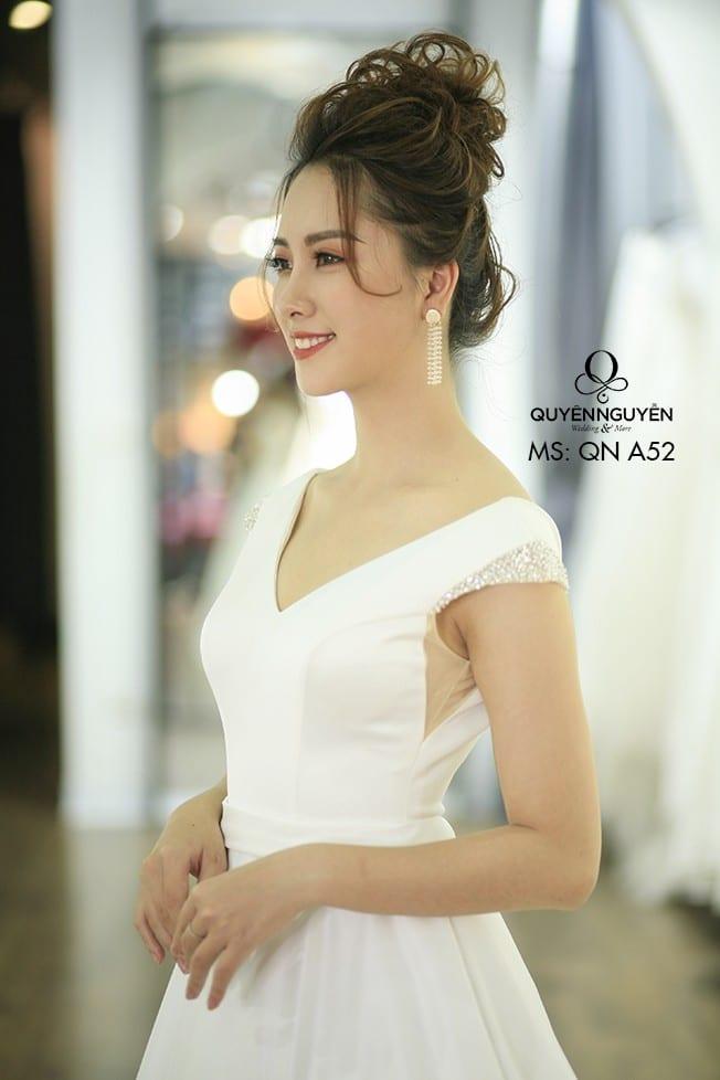 Váy cưới dáng A QNA 52