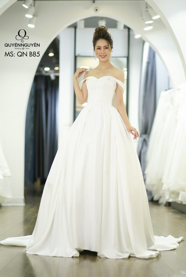 Váy cưới dáng bồng QNB 85