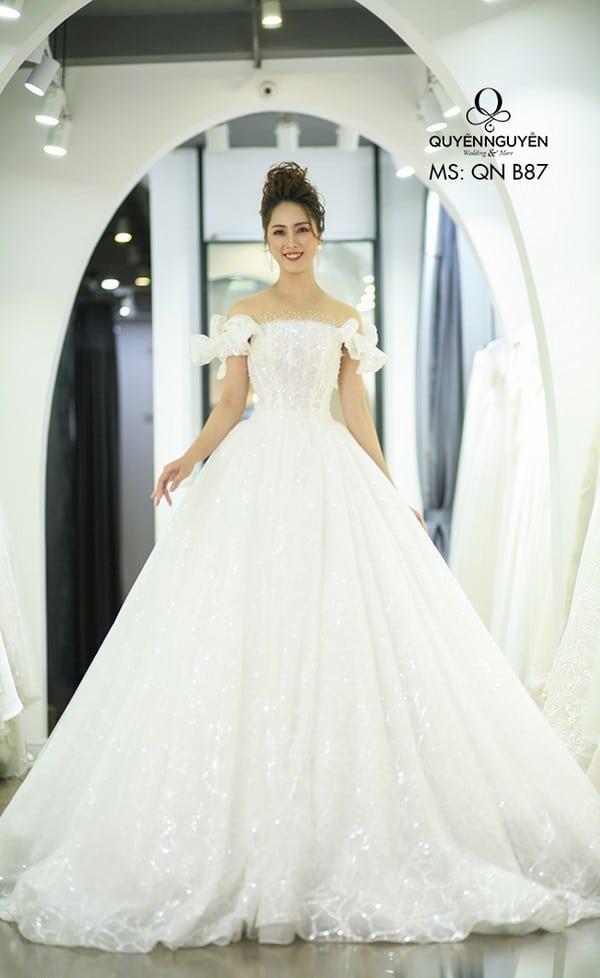 Váy cưới dáng bồng QNB87