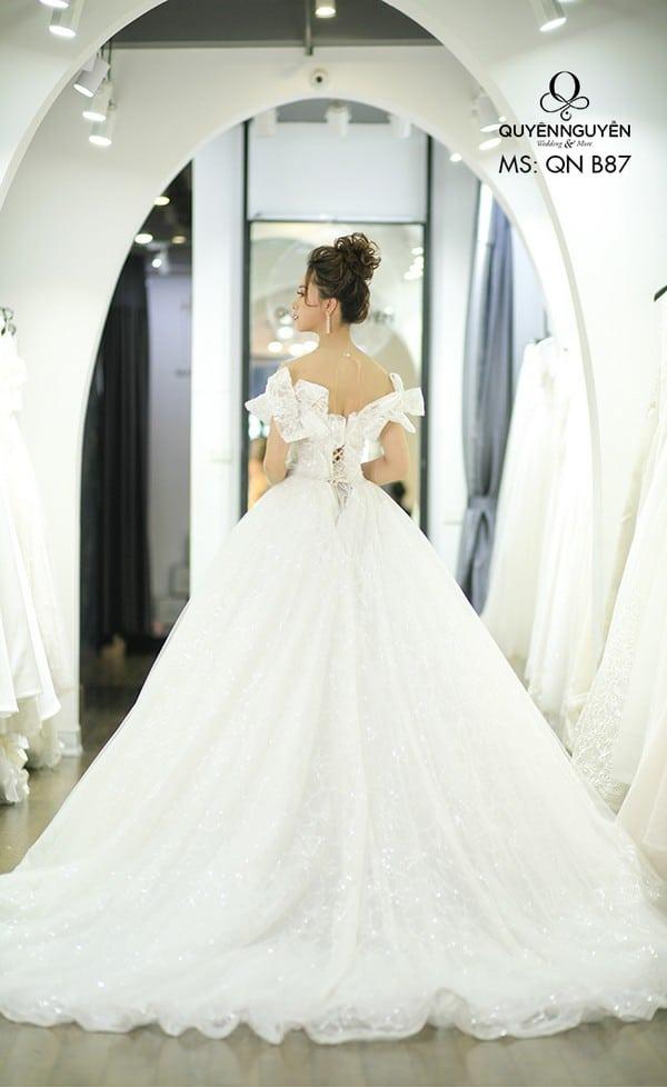 Váy cưới dáng bồng QNB 87
