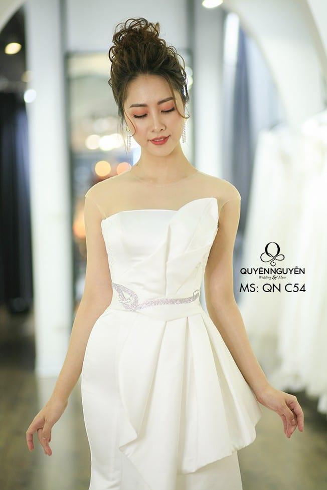 Váy cưới đuôi cá QNC 54
