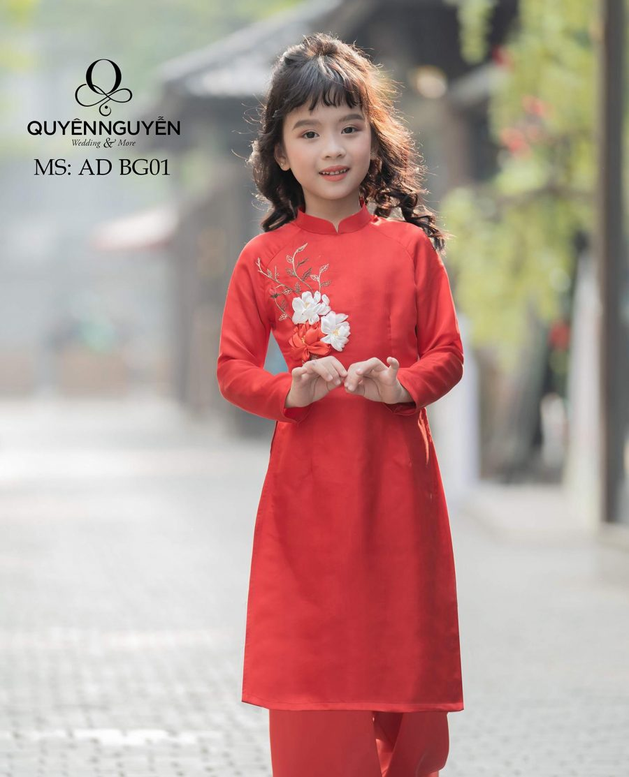 Áo dài bé gái màu đỏ thêu tay đính kèm hoa mẫu đơn nổi AD BG01