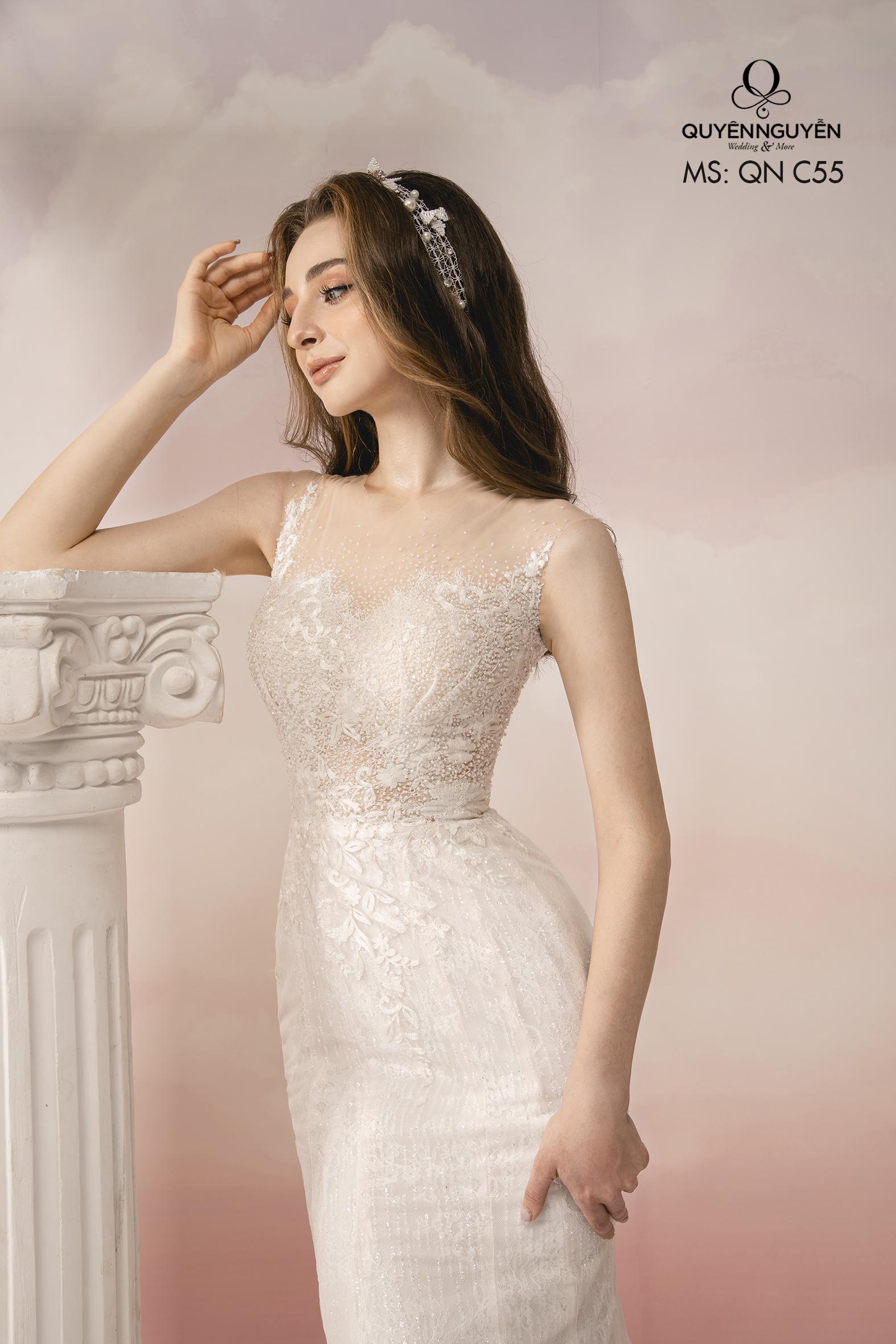 Váy cưới ren xuyên thấu dáng đuôi cá