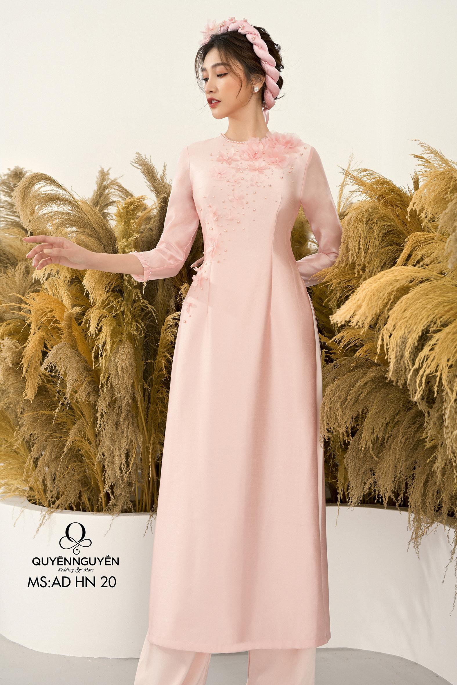Áo dài cách tân tafta hàn quốc tông hồng nhạt họa tiết hoa 3D