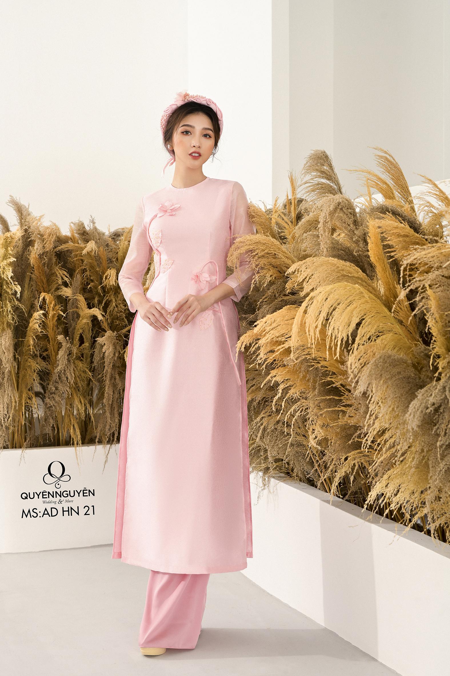 Áo dài cách tân tafta hồng nhạt thêu hoa nổi 3D AD HN 21
