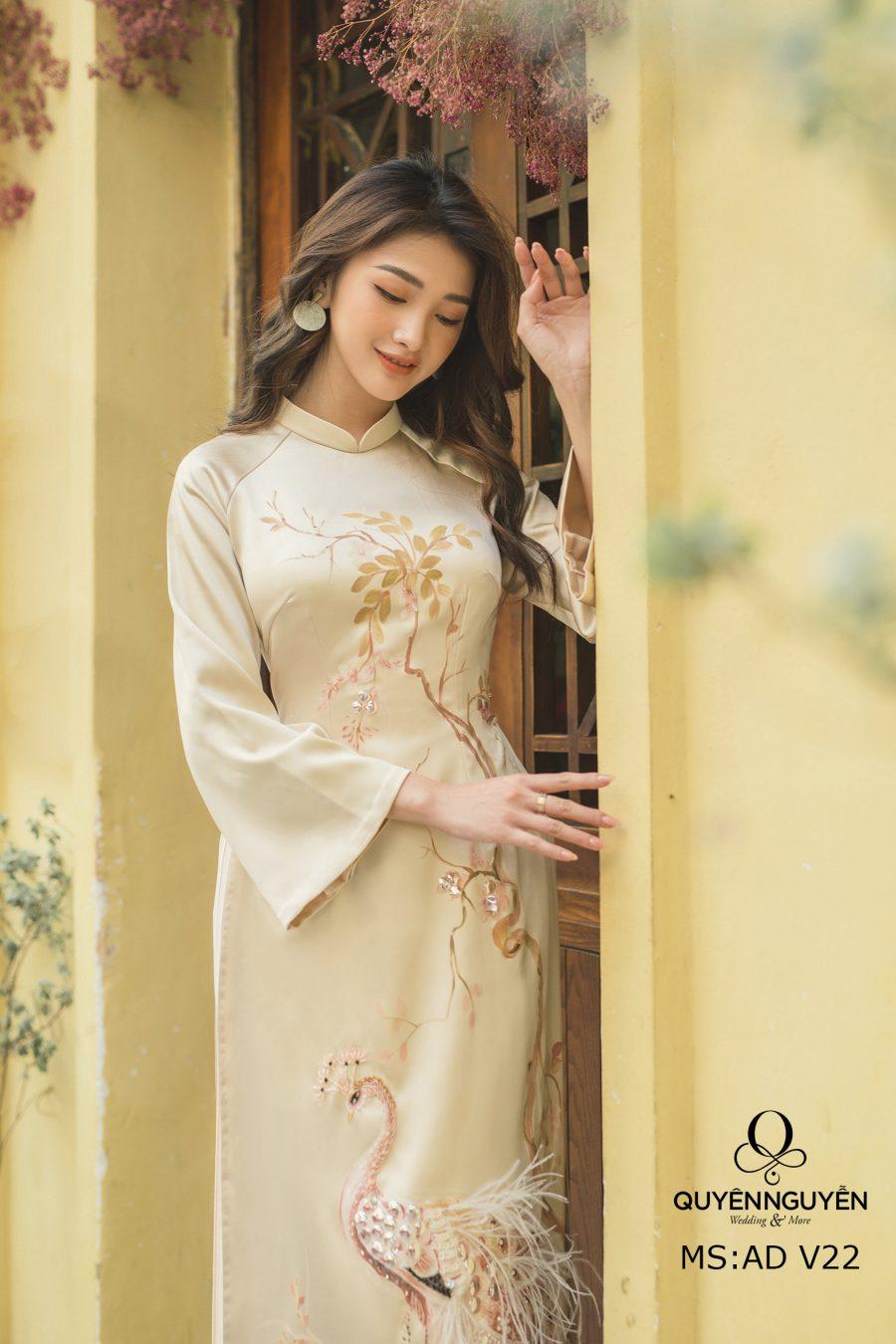 Top 8 mẫu áo dài ăn hỏi đẹp 2020 cho cô dâu chú rể