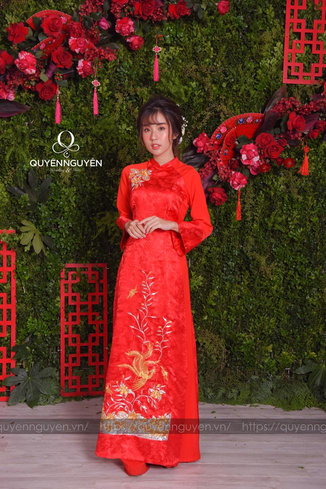 8 mẫu áo dài cách tân 2020 giá rẻ tại Quyên Nguyễn Bridal