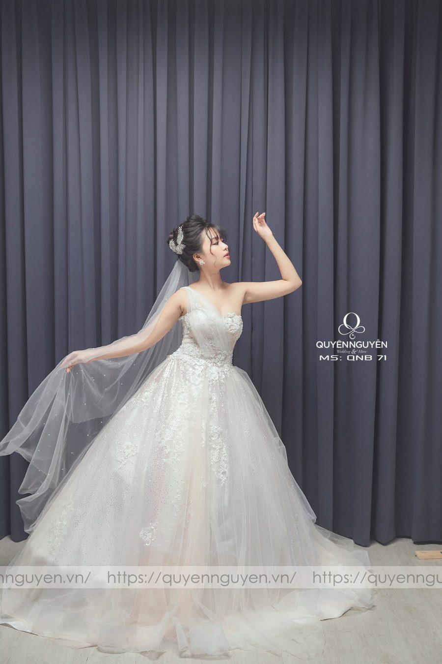 8 mẫu váy cưới công chúa lộng lẫy, sang trọng cho cô dâu