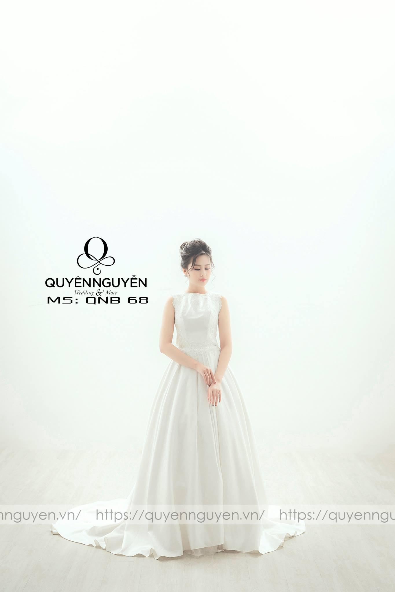 Váy cưới trơn phối hoa ren QNB68