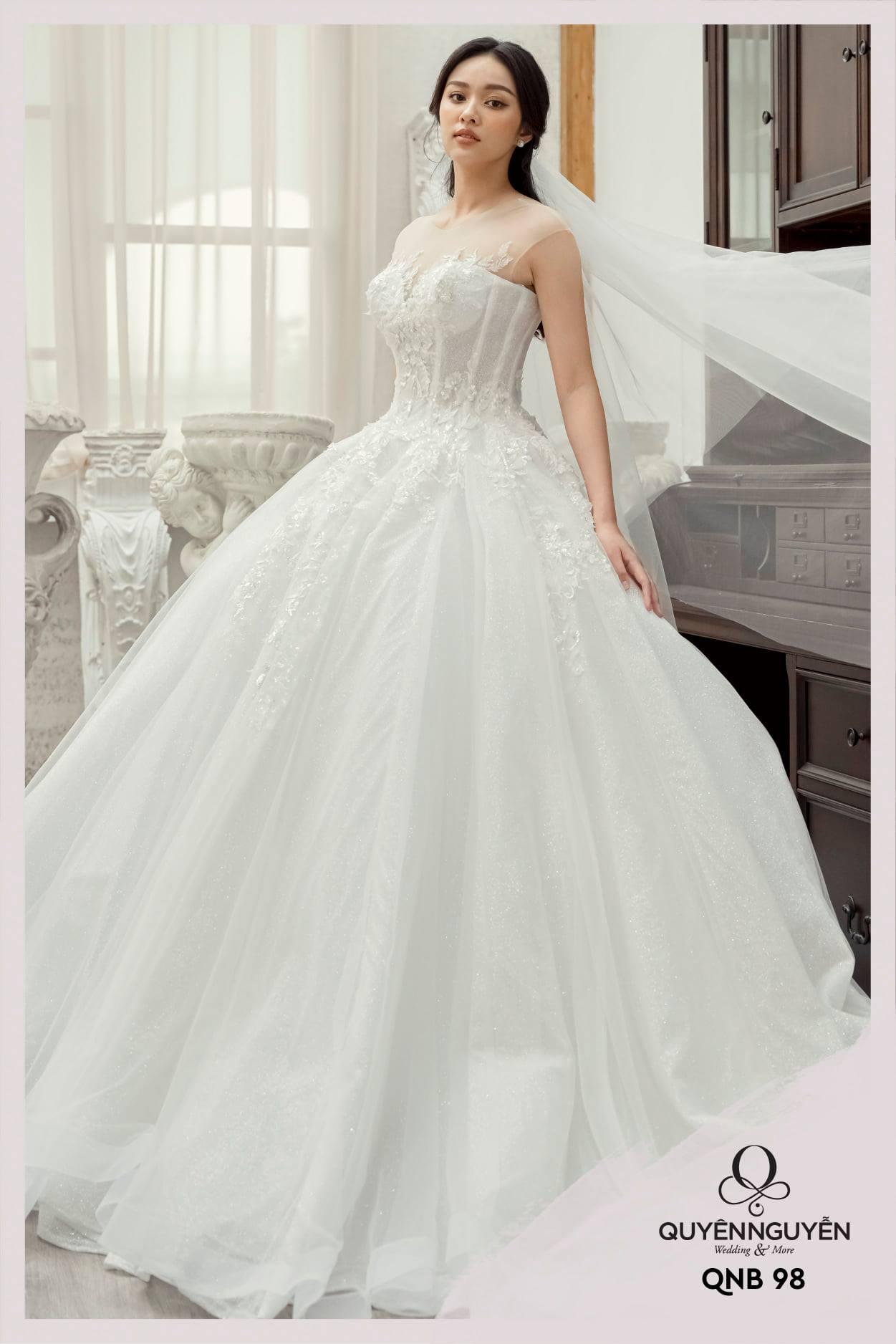 Váy cưới dáng bồng QNB98