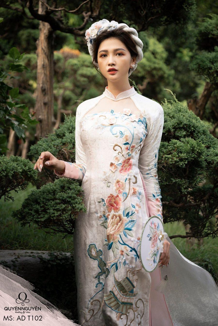 Những địa chỉ có áo dài bán sẵn đẹp nhất tại Thành phố Hồ Chí Minh