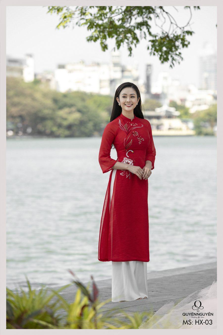 Các mẫu áo dài cách tân 2021 nữ trẻ trung và hiện đại