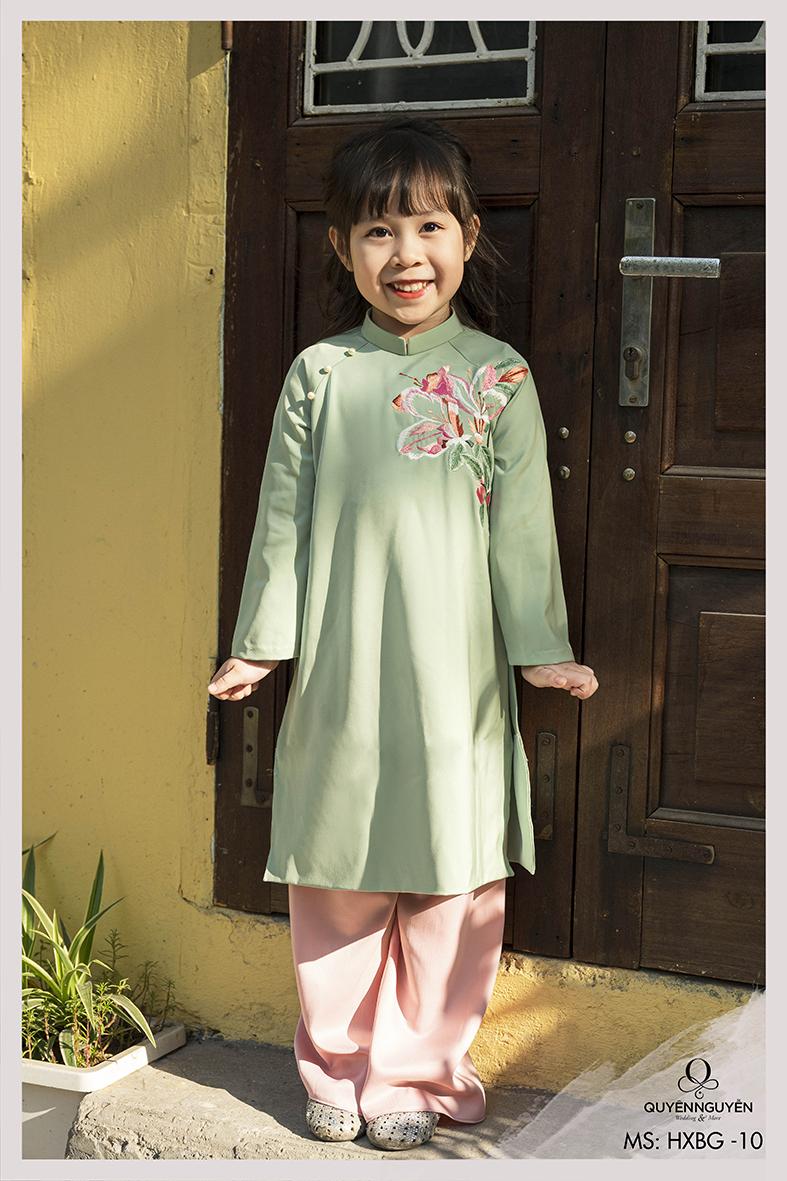 Áo dài bé gái xanh ngọc thêu hoa ly -HXBG10