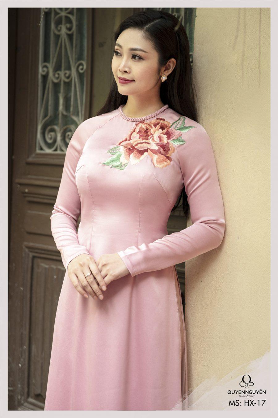 Áo dài cách tân màu hồng thêu hoa Mẫu Đơn HX17