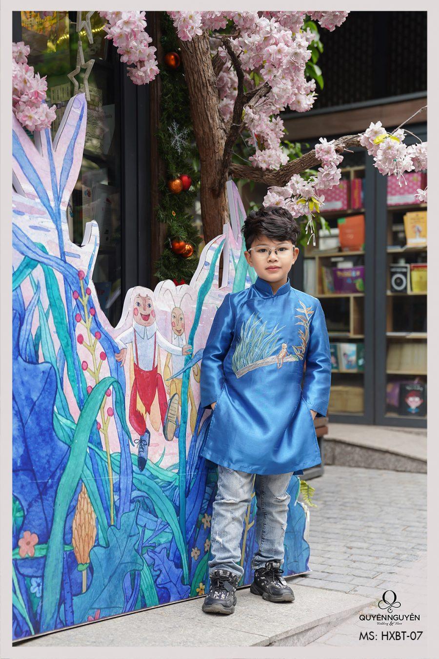 Áo dài bé trai xanh thêu dế mèn HXBT 07