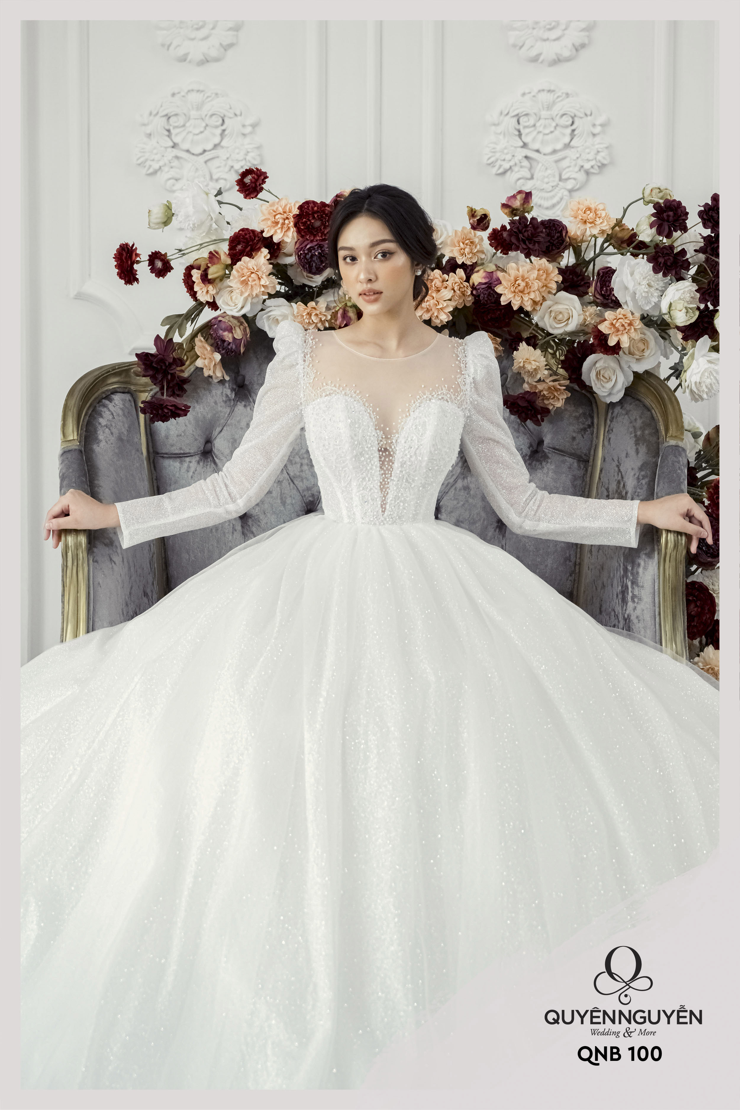 Váy cưới dài tay vai bồng xếp cổ điểnQNB 100