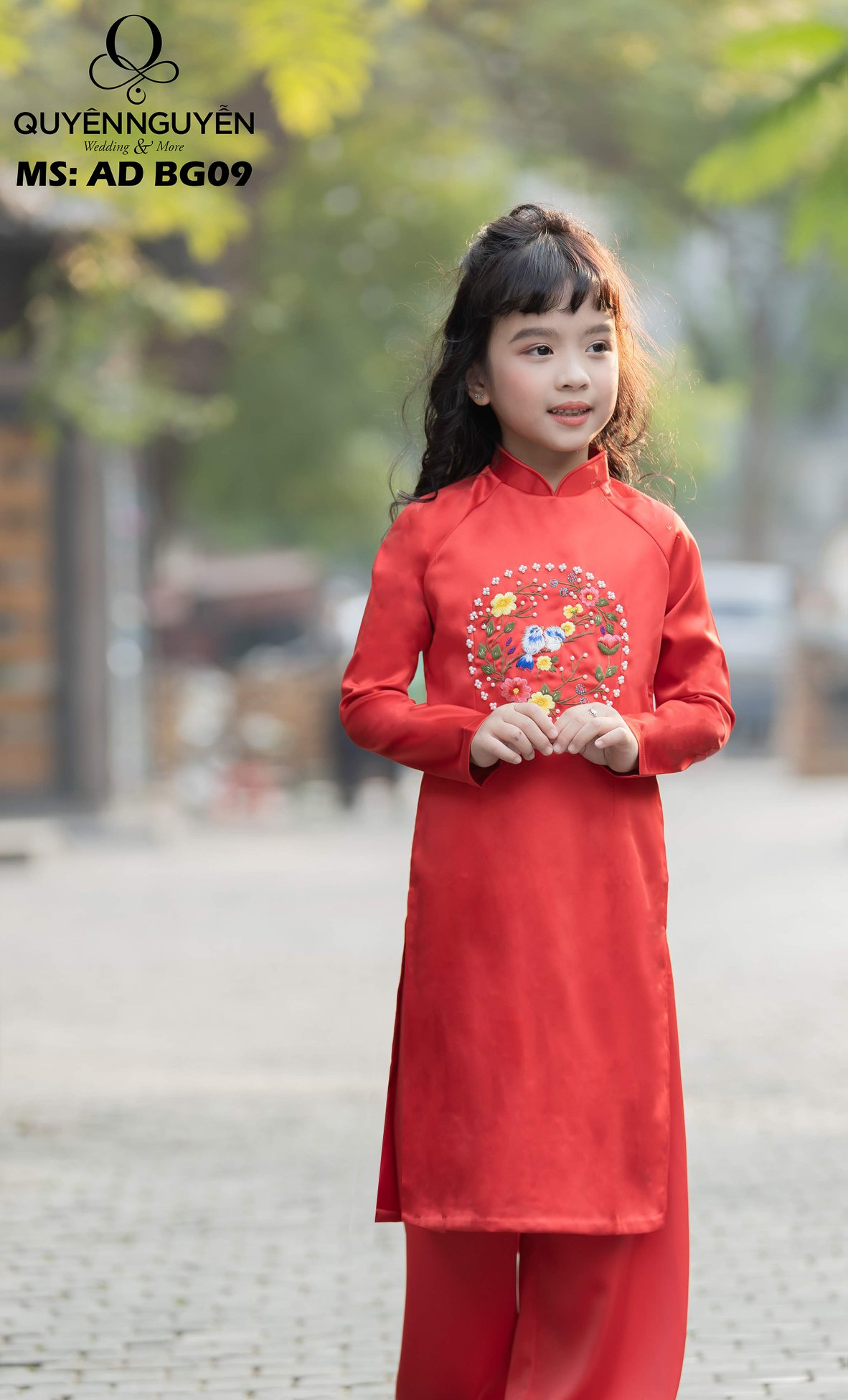 Áo dài trẻ em màu đỏ có họa tiết tròn ADBG09