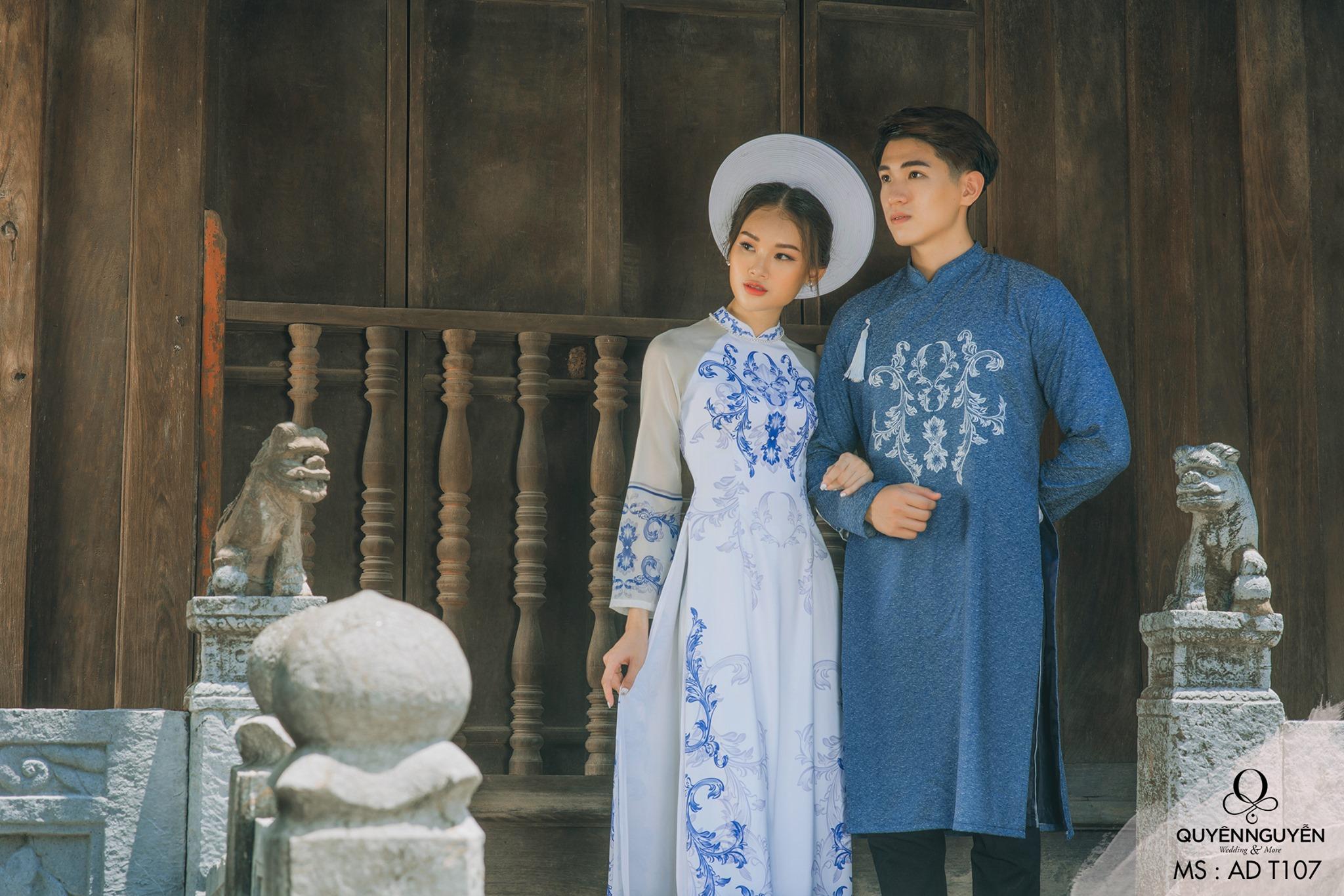 Áo dài trắng với họa tiết xanh tinh tế ADT107