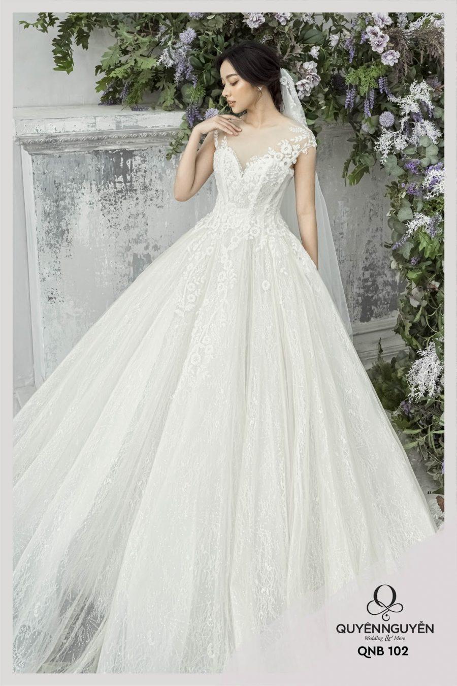 Các mẫu váy cưới cô dâu bầu đẹp nhất 2020-2021